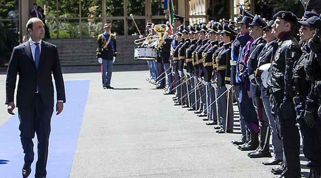 Per Renzi si mette male: anche i militari voteranno NO