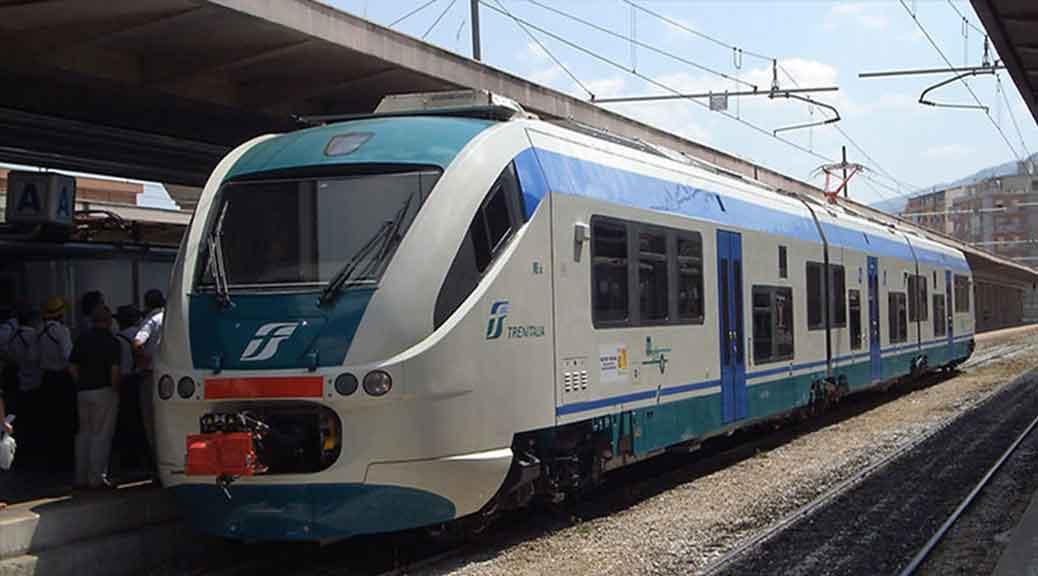 Immigrato schiaffeggia controllore sul treno: denunciato