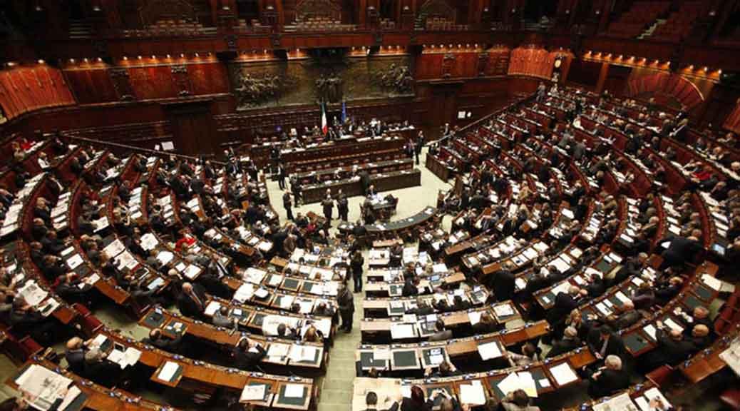 Spese d'oro alla Camera: 75 milioni di euro nel 2016 per servizi, beni e forniture di ogni tipo