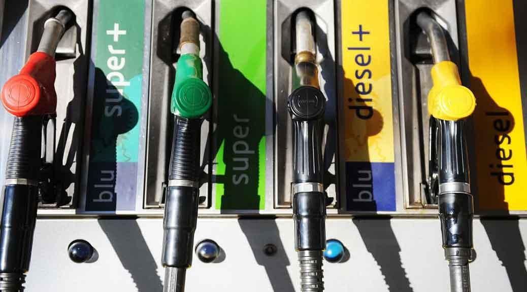Manovra confermata: aumentano benzina e gasolio