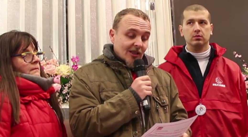 Sanremo, la protesta dei lavoratori Tim: 'Il festival si fa con i nostri soldi'