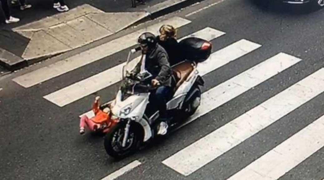 Bimba di 4 anni investita da motociclista. Lui scappa: rintracciato e denunciato