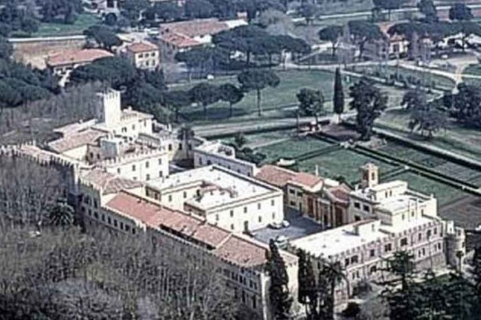 Bando per la tenuta di Castelporziano: scelta la figlia dell'ex vicesegretario del Quirinale. 'Non ha i requisiti richiesti'