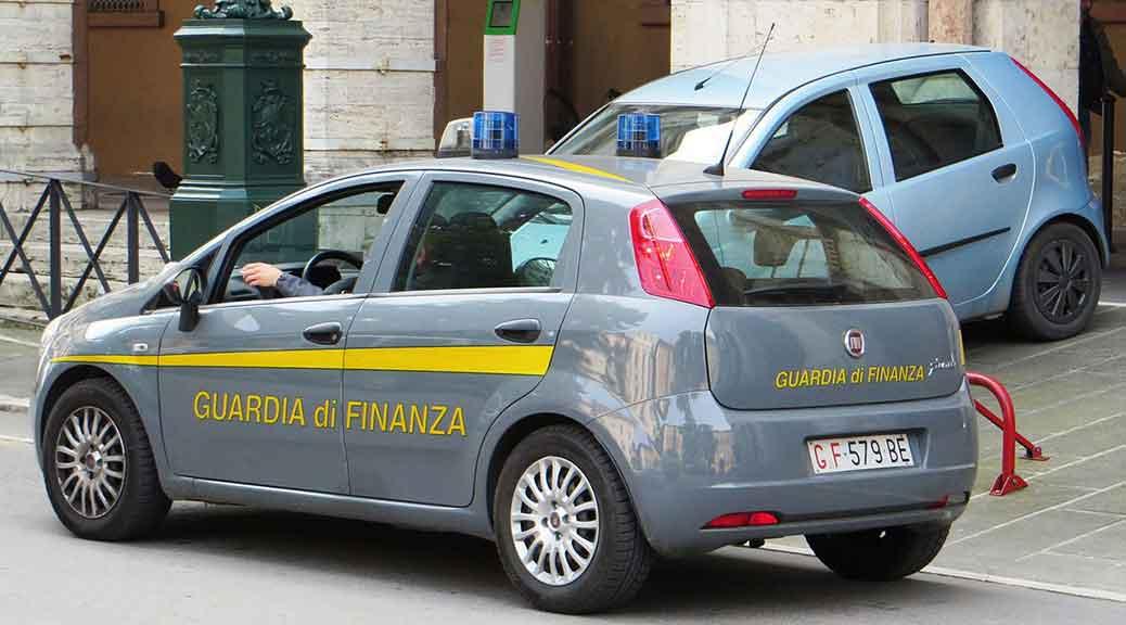 Direttore Agenzia Entrate di Genova arrestato per corruzione