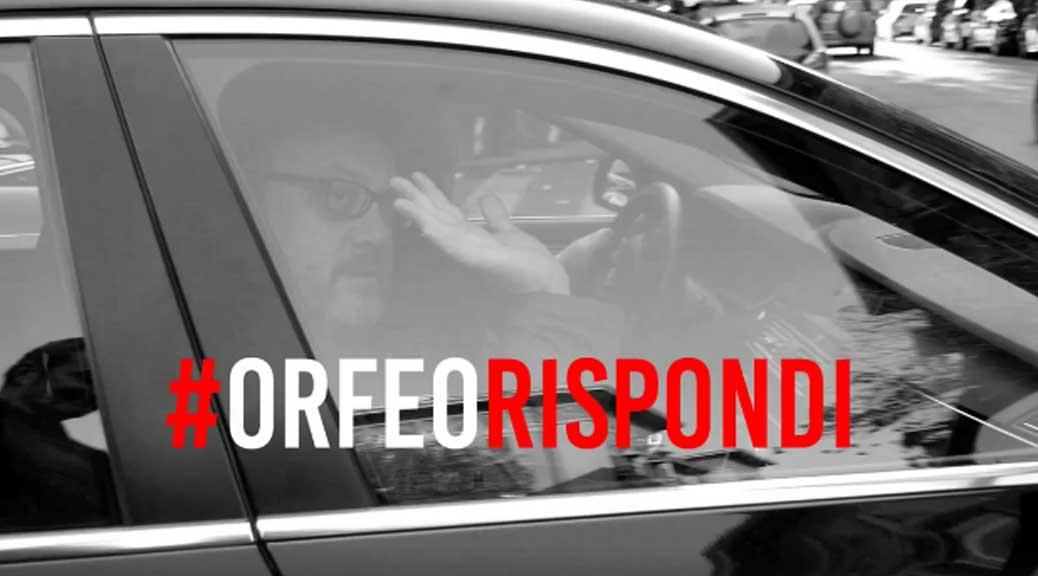 I 5 Stelle intercettano il direttore del Tg1 Orfeo, lui 'fugge' a bordo di una auto blu #OrfeoRispondi