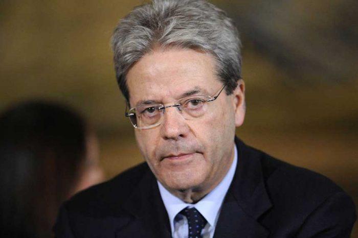 Gentiloni difende le ONG: 'Senza volontariato l'Italia sarebbe più povera'