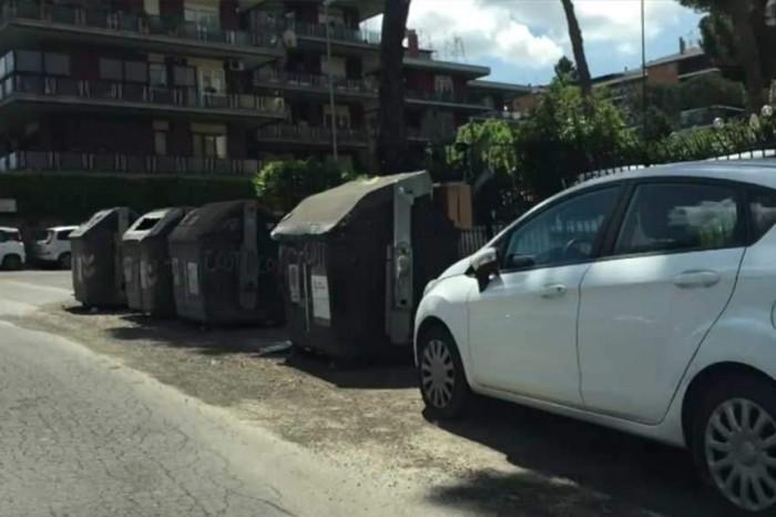 Bechis: 'A Roma c'è un'emergenza rifiuti? No, è una fake news di Renzi'