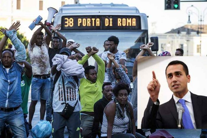 Sgombero migranti, Di Maio sta con la polizia: 'Stato deve farsi rispettare'. Sei d'accordo?
