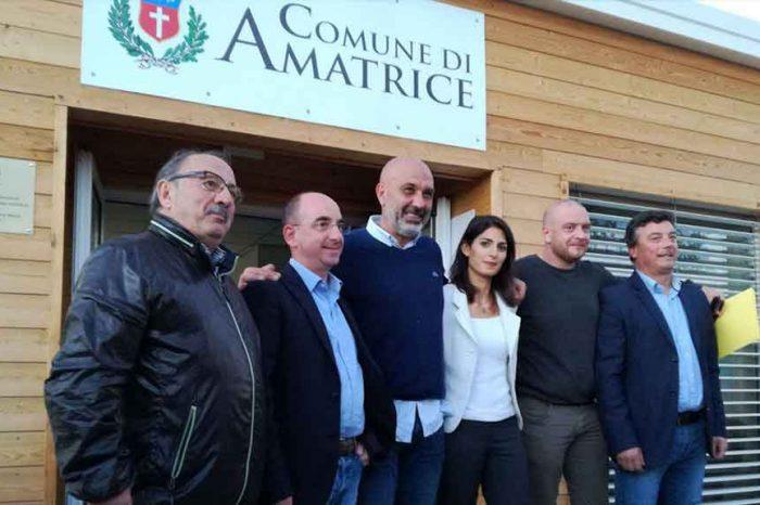 La Raggi ad Amatrice per donare 313mila euro ai paesi terremotati