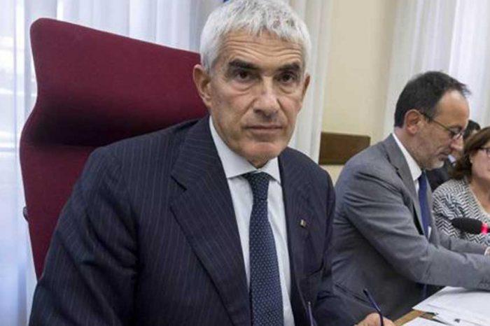 Commissione banche, Casini: 'Partiremo dalle crisi più recenti'. Così il caso Etruria finisce in coda