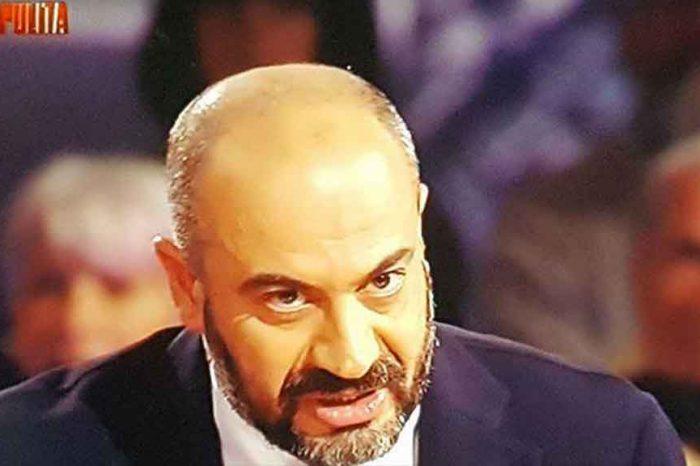 Paragone a Piazzapulita: 'Ministri dell'Economia sono al soldo di banche d'affari'