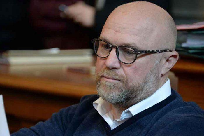 Il sindaco di Livorno Nogarin: 'Sono indagato per concorso in omicidio colposo'
