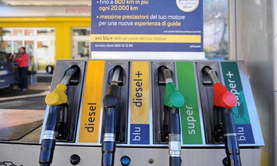 Prezzo-del-carburante-in-aumento