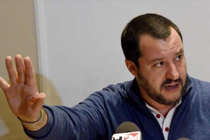 Salvini: 'I porti resteranno chiusi per Ong e privati'