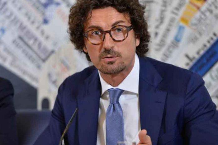 Toninelli: 'L'analisi costi-benefici del Tav è negativa'