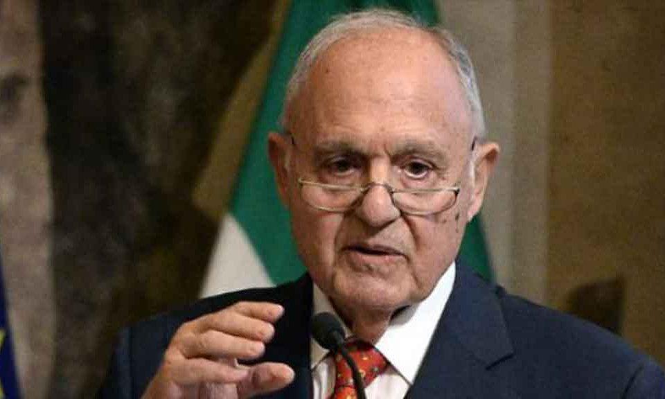 Il governo trema, usura bancaria: indagato a Campobasso il ministro Savona