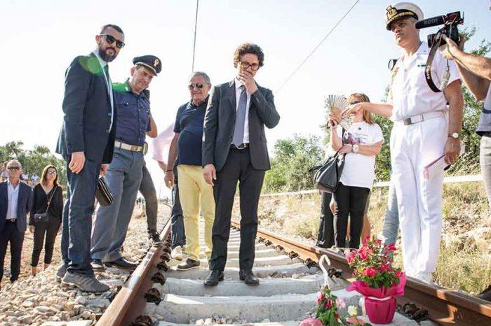 Il ministro dei Trasporti Toninelli: 'Sicurezza e benessere per chi viaggia in treno'