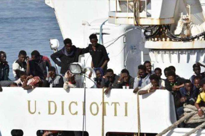 Migranti della Diciotti: trafficanti hanno tagliato un dito a un bimbo per ricattare i genitori