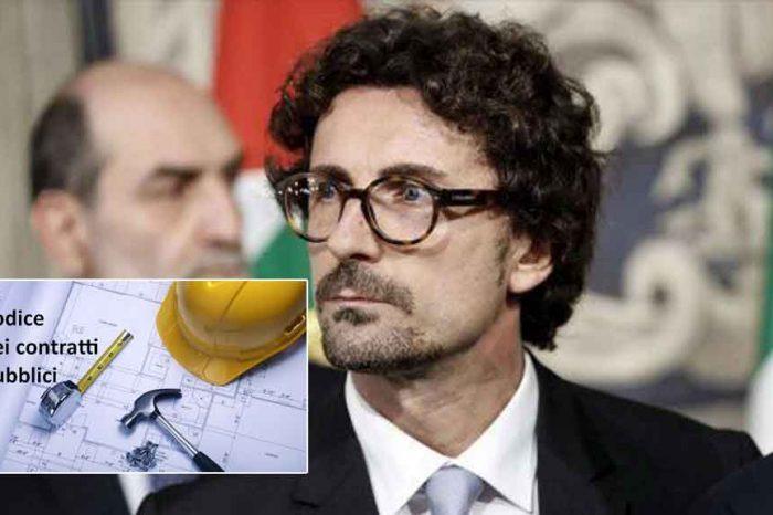 Il ministro Toninelli: 'Rivediamo il codice degli appalti: guerra alla corruzione!'