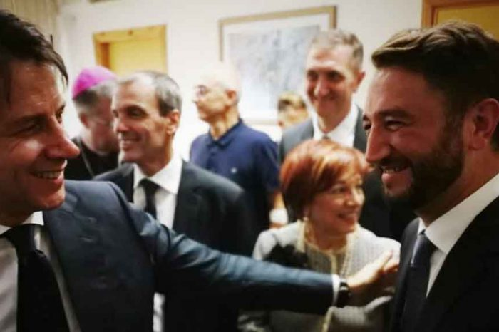 Conte a Palermo, Cancelleri (M5S): 'Fra le centinaia di persone che lo applaudivano, io mi sono commosso'