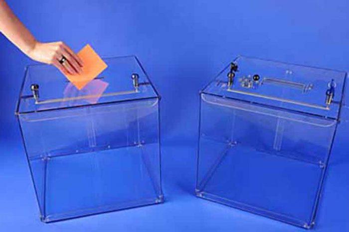 Urne in plexiglas contro i brogli elettorali, la proposta di legge M5S in discussione alla Camera