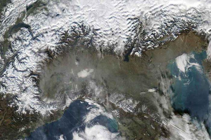 Smog, M5S: 'Fermiamo la strage padana. Liberiamo la pianura padana dallo smog'