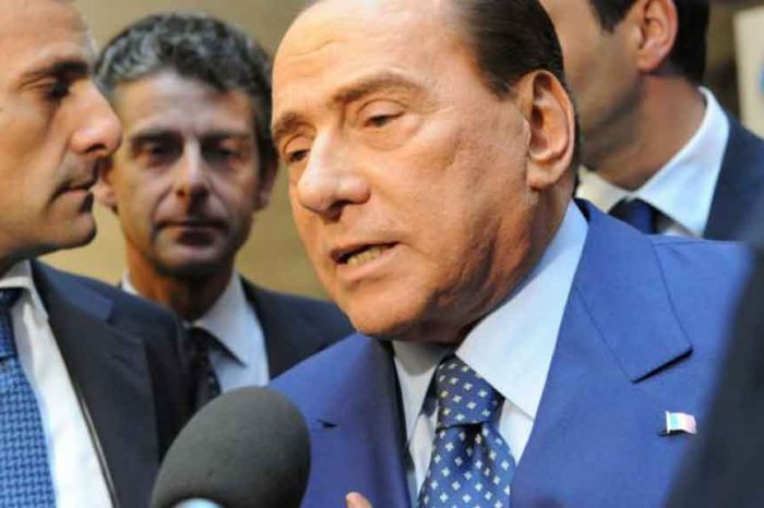 Berlusconi: 'M5S e Lega non sono in grado di andare avanti. Tornerà il governo di centrodestra'