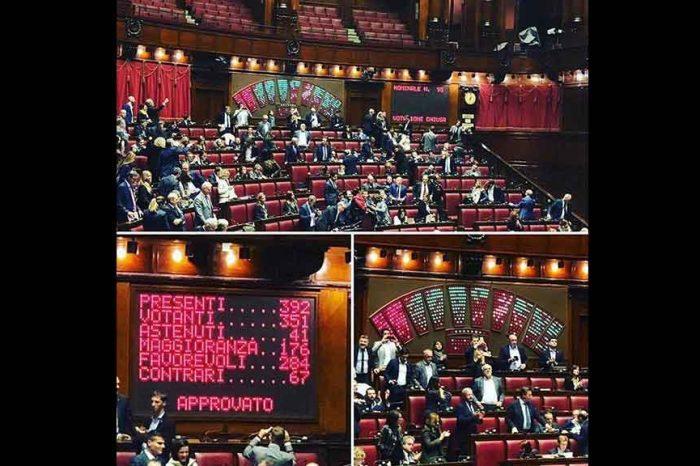 M5S: 'Ce l'abbiamo fatta: approvato alla Camera il Decreto Emergenze'