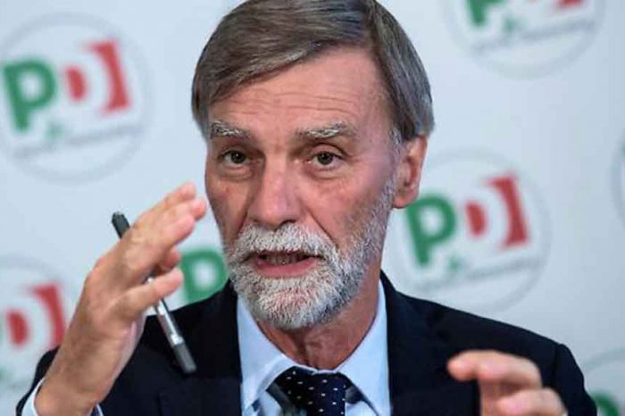 Manovra, Graziano Delrio (Pd): 'La recessione che minaccia l'Italia richiedeva altre misure'