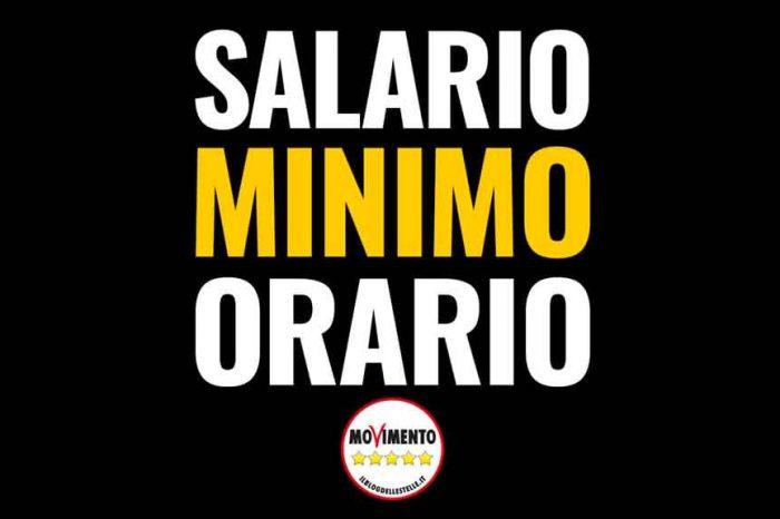 L'appello del M5S: «Sosteneteci, salario minimo misura giusta, equa e sociale»