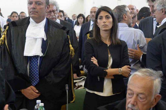 Processo Raggi, il giudice: 'È stata vittima di un raggiro ordito dai fratelli Marra'