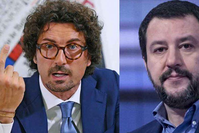 Ilva, Toninelli contro Salvini: «L'incapace è lui che avrebbe permesso ad una multinazionale straniera di continuare ad inquinare liberamente Taranto»