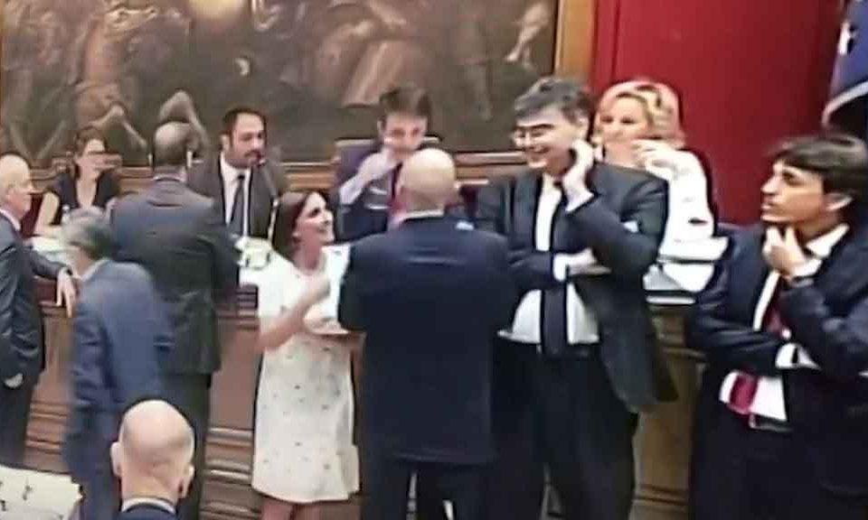 Pd: pressing Renzi per sfiducia Salvini, Nazareno 'ora è regalo a governo'