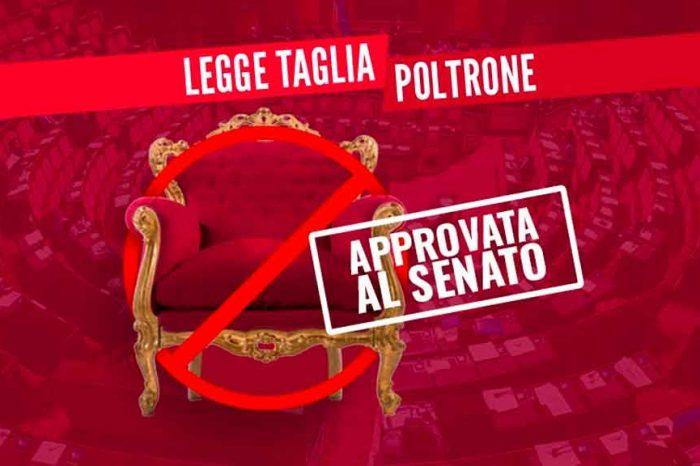 M5S: «Tagliapoltrone approvato al Senato: siamo a un passo da un traguardo storico»