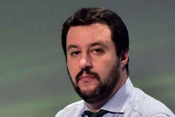 Salvini: «I cretini al governo tassano le bibite zuccherate»