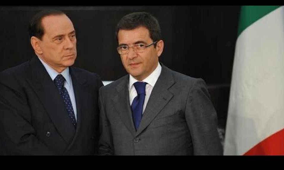 Camera dei deputati tolto il vitalizio a cosentino forza italia silenzi e falsit for Deputati forza italia