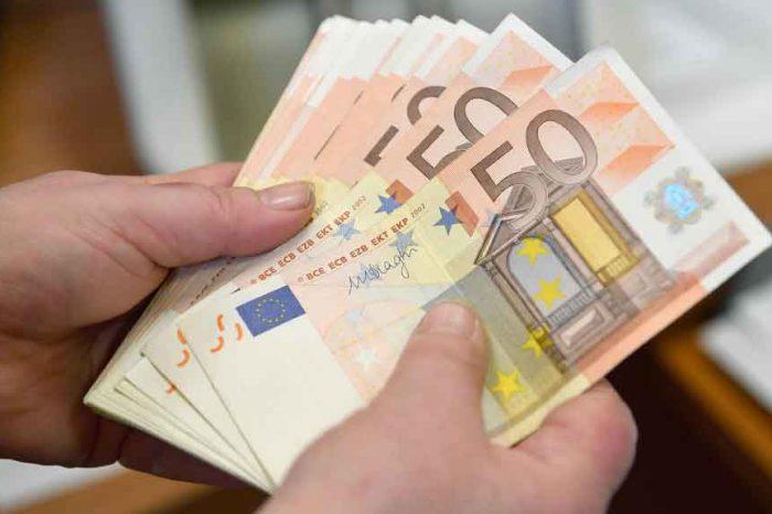 Decreto fiscale, la soglia massima di contante passa da 3mila a mille euro