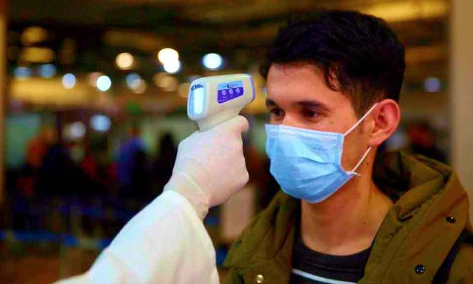Coronavirus, alcol e candeggina sono efficaci per distruggere il virus
