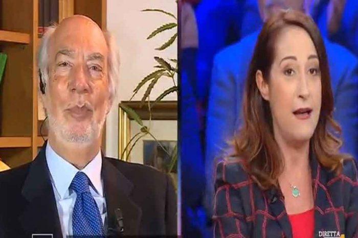 L'avv. Paniz a Paola Taverna: 'Perchè non paga una casa a sua madre con i 17mila euro di stipendio?', 'Vive con me! Taccia!'
