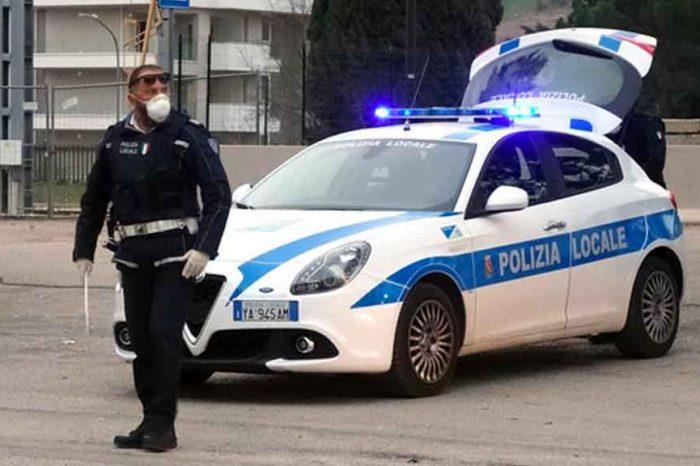 Coronavirus, stretta sui controlli a Roma: «I veicoli devono essere tutti accodati e sottoposti al controllo»