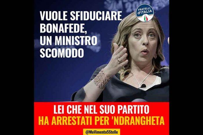 M5S: «Meloni vuole sfiducia Bonafede, ma nel suo partito ha arrestati per 'ndrangheta»