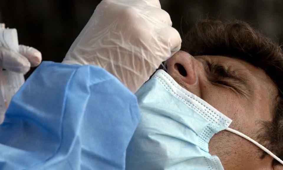 """Coronavirus, il virologo Palù: """"Basta isteria, il 95% dei positivi non ha sintomi e 'contagia ..."""
